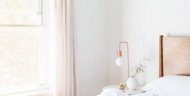 Keep Your Bedroom Fresh With These Tips